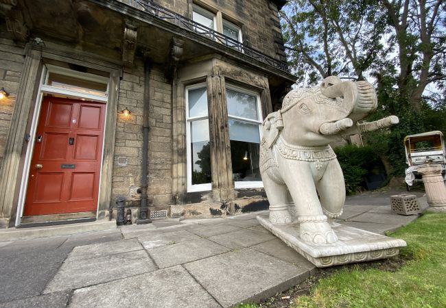 Rent by room in Edinburgh - No.6 West Coates 12 King